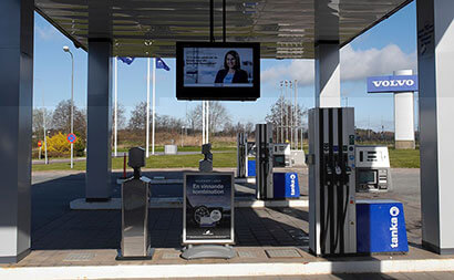 volvo digital signage at forecourt