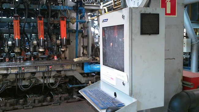 industrial computer cabinet reduces the impact of heat