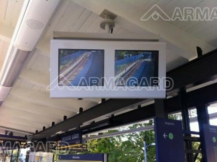 A double enclosure used at a metro station in Sweden, a common example of widespread digital signage. Armagard | 2012