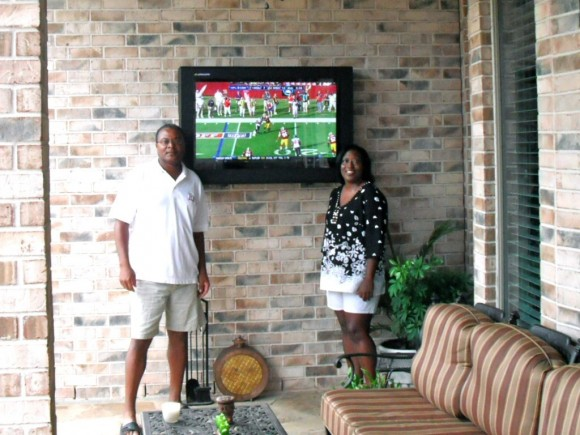 Outdoor TV backyard, Texas